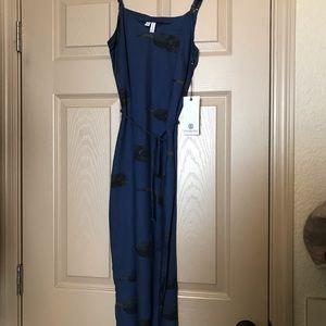 Beautiful navy blue element midi dress